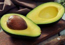 Ăn bơ bỏ hạt: lãng phí chất dinh dưỡng